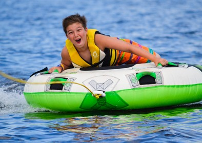 boy-watertubing
