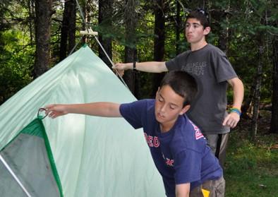 boys-building-tent